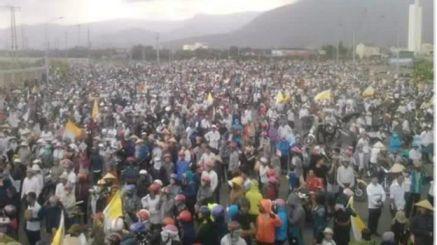 Khoảng chục ngàn ngư dân miền Trung xuống đường biểu tình phản đối Formosa ngày 2-10-2016. Nguồn: internet