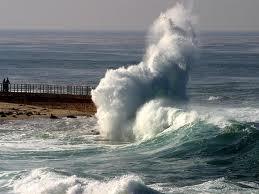 Dồn dân vào đường cùng, tức nước thì sẽ vỡ bờ.
