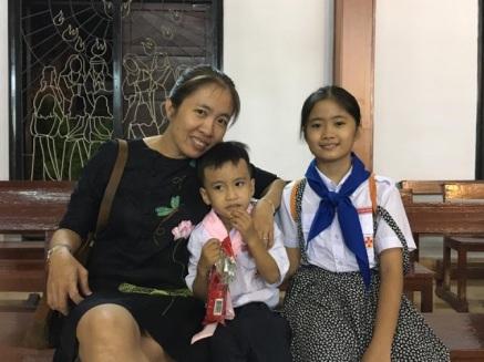 Blogger Mẹ Nấm cùng 2 con: Nấm và Gấu. Ảnh: internet/ Phạm Thanh Nghiên