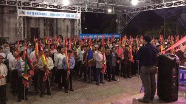 Người dân tại giáo xứ Phú Yên trong ngày tham dự đi kiện. Ảnh: FB Lê Văn Sơn