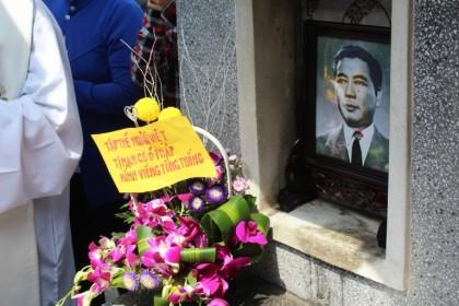 Lễ giỗ 53 năm Cố Tổng thống Ngô Đình Diệm tại nghĩa trang Lái Thiêu, vào ngày 31.10.2016. Ảnh: TMCNN