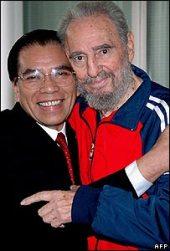 Nông Đức Mạnh và Fidel Castro trong chuyến thăm Cuba năm 2007. Nguồn: AFP