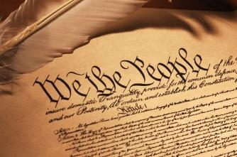 Hiến pháp nước Mỹ được viết ra để bảo vệ người dân. Nguồn: interet