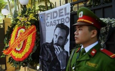 Ảnh chụp bên ngoài Tòa Đại sứ Cuba tại Hà Nội hôm 28/11/2016. Ảnh: AFP