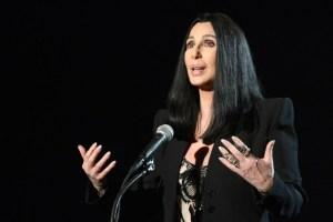 Nữ ca sĩ Cher nói nếu ông Trump thắng cử thì cô sẽ dọn lên Mộc Tinh. (Hình: Getty Images/Frazer Harrison)