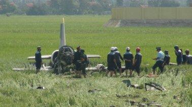 Phi cơ loại L39 rớt sáng 26 tháng 8 tại Phú Yên. (Hình: VietNamNet)