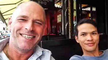 Stefan Struik (trái) và Nguyễn Thành Dũng bị bắt liên quan tới vụ bạo hành trẻ em ở Campuchia. Ảnh: YouTube