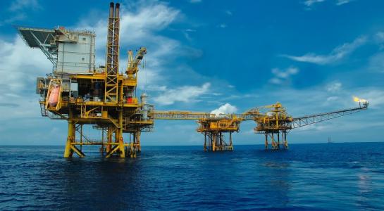 Ngành dầu khí VN 1 năm qua với biết bao hệ lụy buồn - Ảnh: Internet