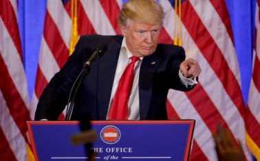 Tổng thống đắc cử Donald Trump căng thắng với phóng viên CNN trong buổi họp báo hôm qua. Nguồn: internet
