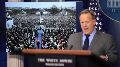 Phát ngôn viên Nhà Trắng Sean Spicer tức tối với giới báo chí. Ảnh ngày 21/01/2017. Ảnh: REUTERS/Carlos Barria
