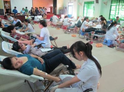 Sinh viên hiến máu. Nguồn: internet