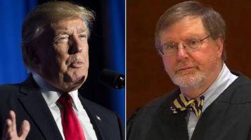 TT Donald Trump và thẩm phán liên bang James Robart. Ảnh: internet