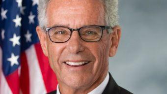 Dân Biểu Lowenthal đã là thành viên của Congressional Caucus on Vietnam từ năm 2013 khi ông được đắc cử vào Quốc Hội Hoa Kỳ. Ảnh: Alan Lowenthal Office