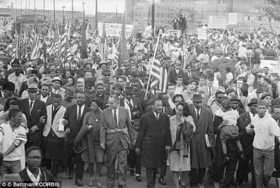 Hành trình từ Selma tới Montgomery do mục sư Martin Luther King Jr và vợ ông dẫn đầu, từ ngày 7–25 tháng 3/1965. Ảnh: internet