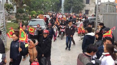 Người dân miền Trung đi kiện Formosa. Ảnh: internet