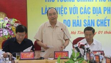 Thủ tướng Nguyễn Xuân Phúc phát biểu chỉ đạo tại buổi làm việc với các địa phương về vụ cá chết - Ảnh: Hữu Khá