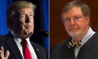 TT Donald Trump và thẩm phán James Robart. Ảnh: internet