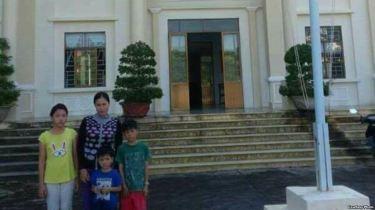 Chị Trần Thị Lụa và 3 người con. Courtesy Photo.