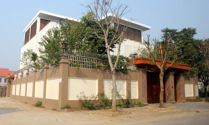 Căn biệt thự 3 mặt tiền tại khu đô thị Bình Minh, TP.Thanh Hóa của bà Trần Vũ Quỳnh Anh. Ảnh: Thái Sơn.